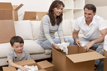 Removals in London - Packing Family